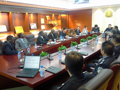 Visiting African officers with their counterparts in a meeting in Shenyang